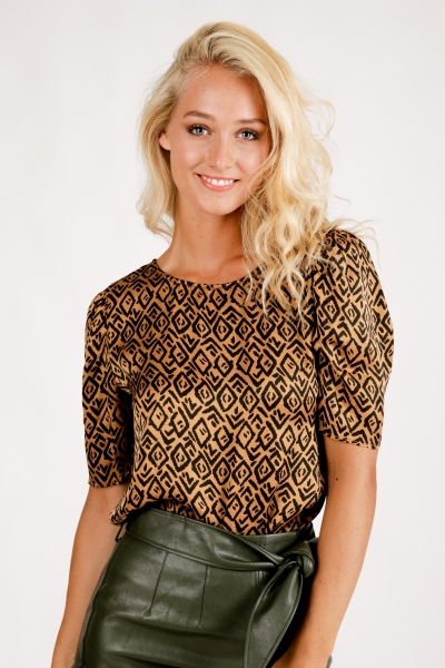 AAIKO Shirt / Top Bruin SHYNELLE GRAPHIC