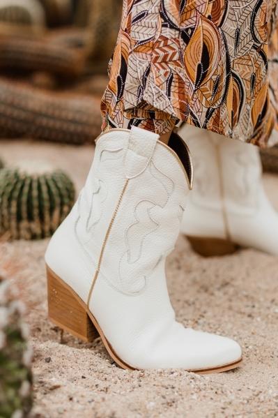 Kort western off white
